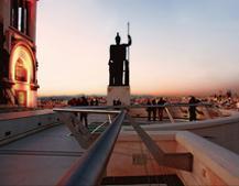 Estatua en terraza
